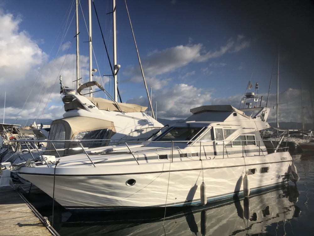 Hire Motor boat with or without skipper Guy Couach Ajaccio