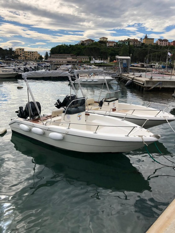 Motor boat for rent Cadimare at the best price