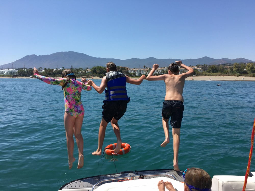 Hire Motor boat with or without skipper Monterey Estepona