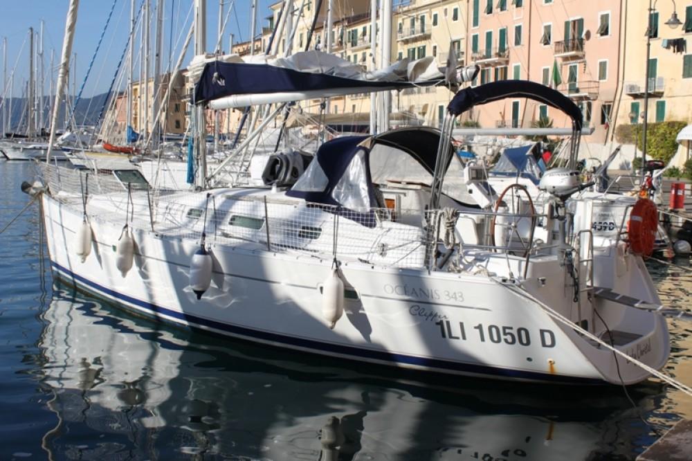 Rental Sailboat in Cecina - Bénéteau Oceanis 343 Clipper