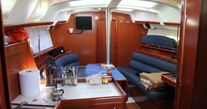 Rental yacht Cecina - Bénéteau Oceanis 343 Clipper on SamBoat