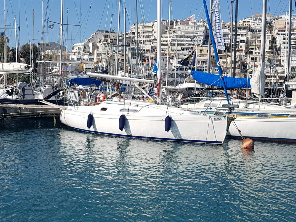 Boat rental Dufour Dufour 30 Classic in Piraeus on Samboat