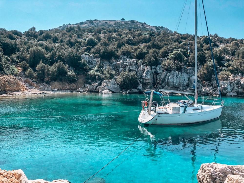 Rental Sailboat in Piraeus - Dufour Dufour 30 Classic