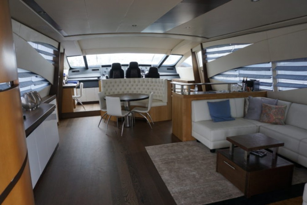 Hire Yacht with or without skipper Pershing Eivissa