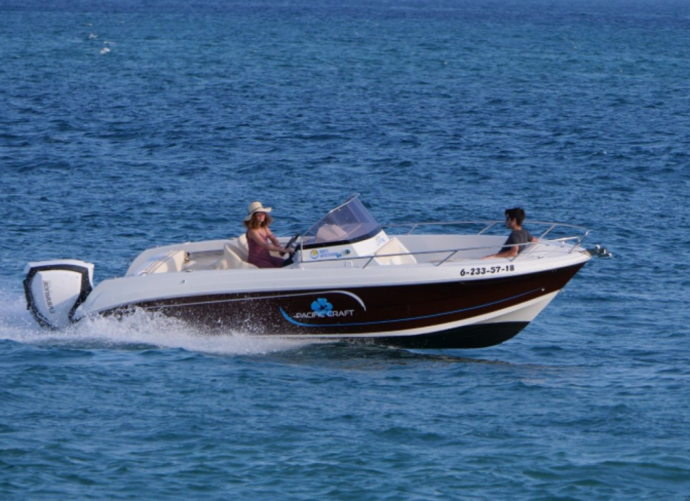Rent a Pacific Craft Pacific Craft 670 Open  Roses