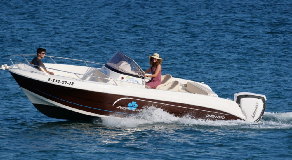 Boat rental Roses cheap Pacific Craft 670 Open