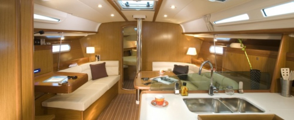 Rental yacht Italie - Jeanneau Sun Odyssey 42i on SamBoat