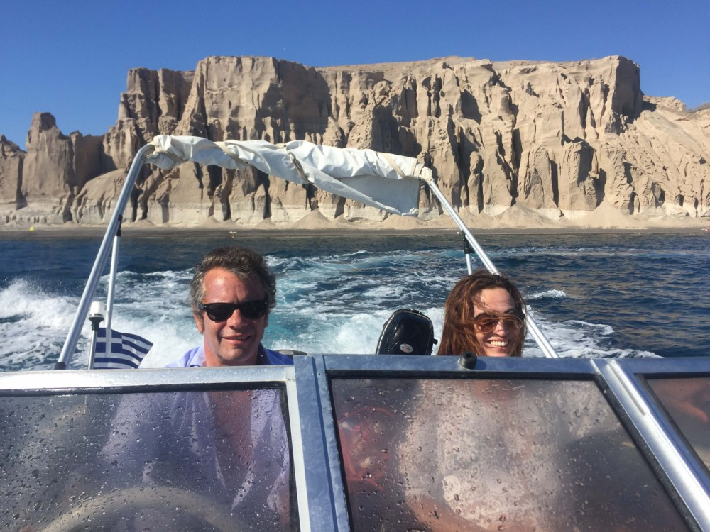 Hire Motor boat with or without skipper Ahellas Aegean