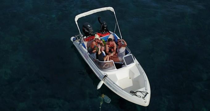 Rental yacht Santorini - Ahellas Odyssey 15FB on SamBoat