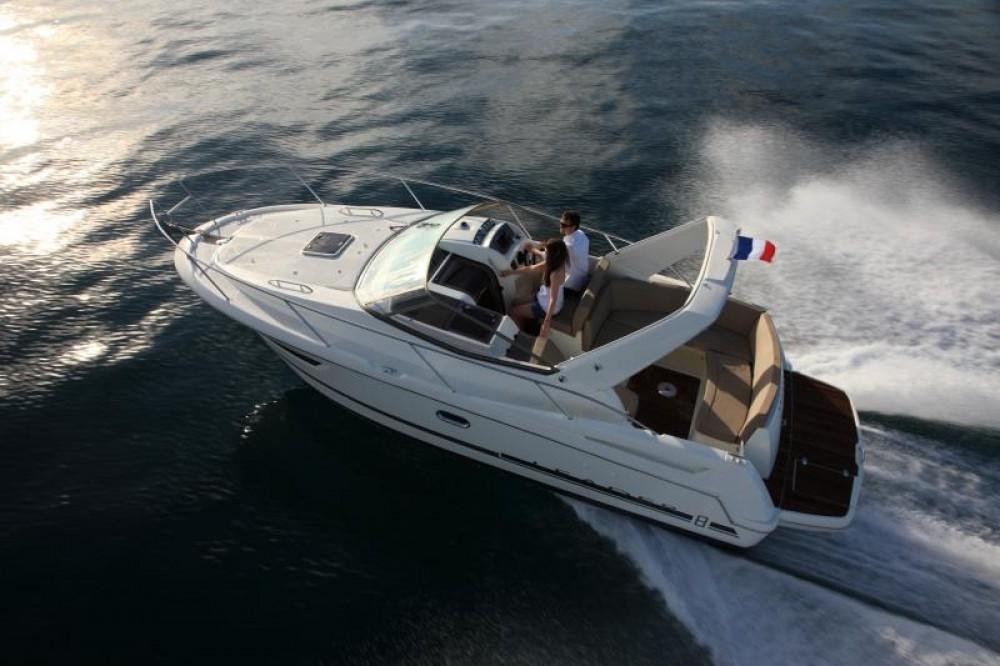 Rental Motor boat in Hyères - Jeanneau Leader 8