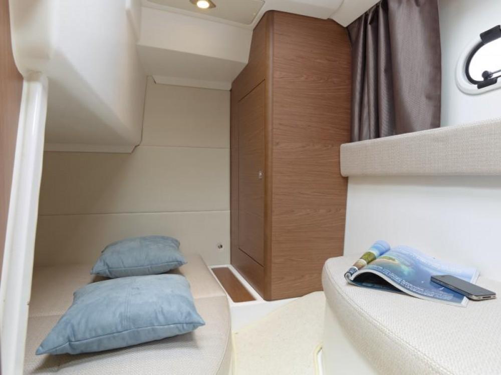 Boat rental Hyères cheap Leader 8