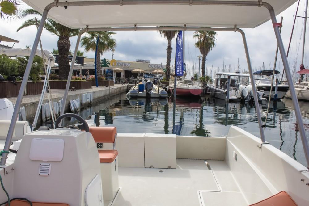 Boat rental A-E  Lagoon 55 in Palavas-les-Flots on Samboat