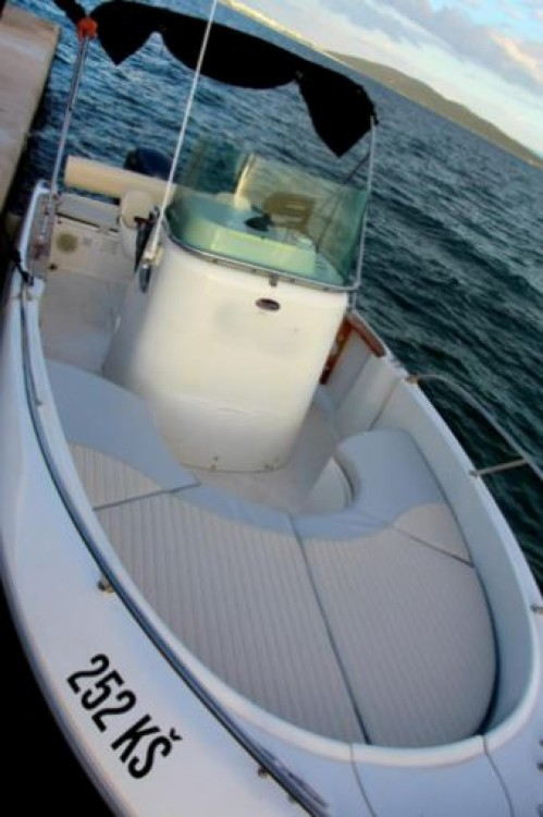 Boat rental Croatia cheap Key Largo 22 Deck