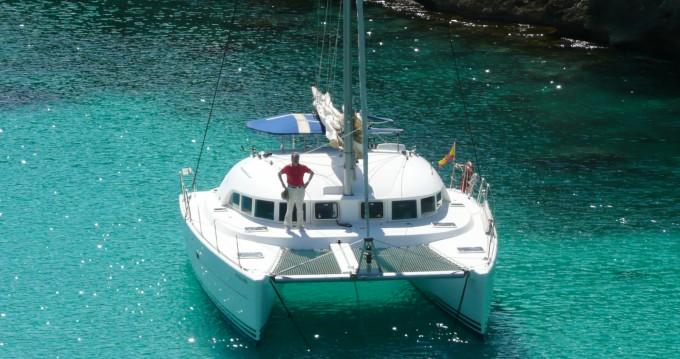 Boat rental Lagoon Lagoon 380 in Ibiza Island on Samboat