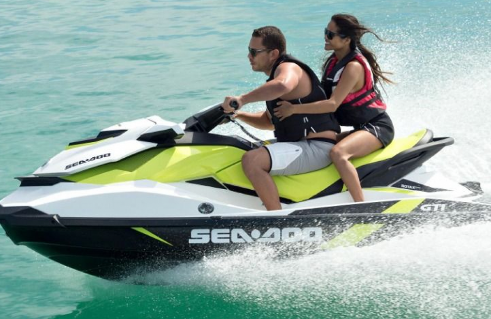 Jet Ski for rent Roses at the best price