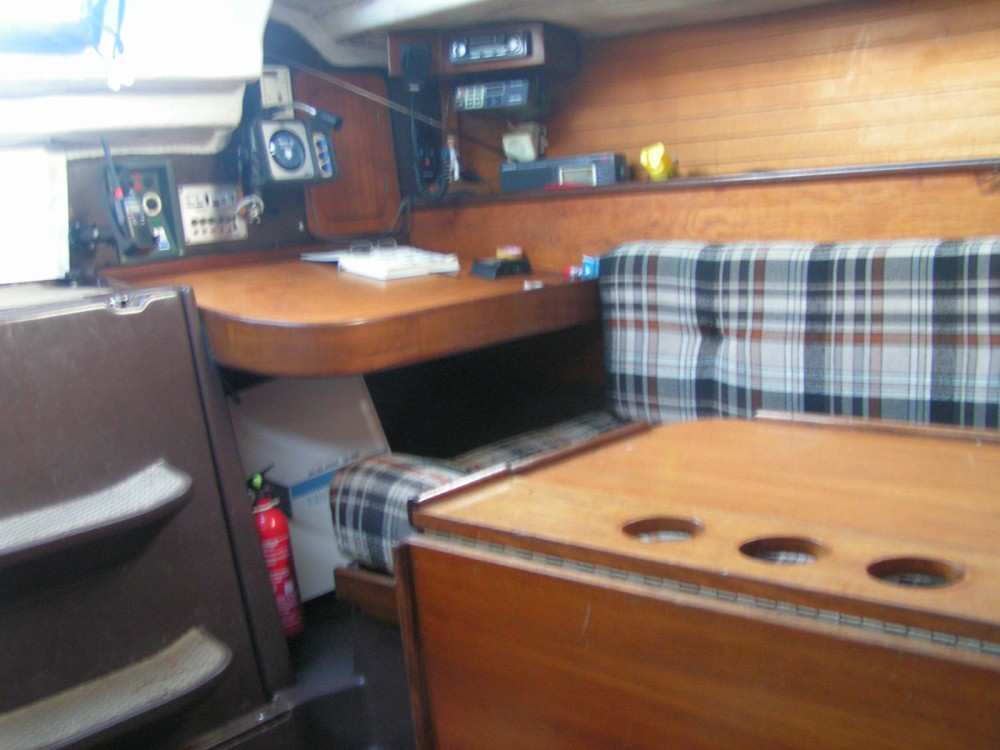 Hire Sailboat with or without skipper Bénéteau Lorient