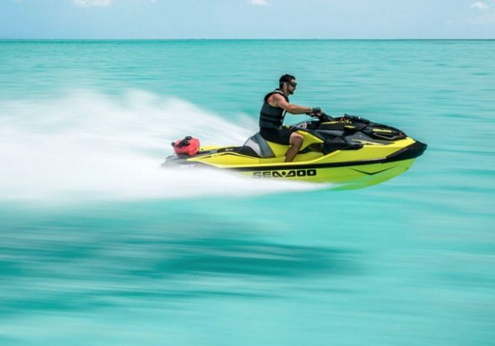 Seadoo RXT between personal and professional Roses