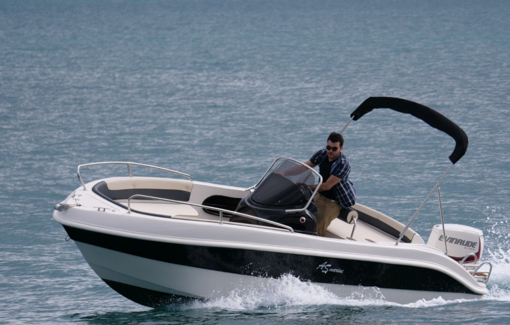 As Marine 570 Open between personal and professional Roses