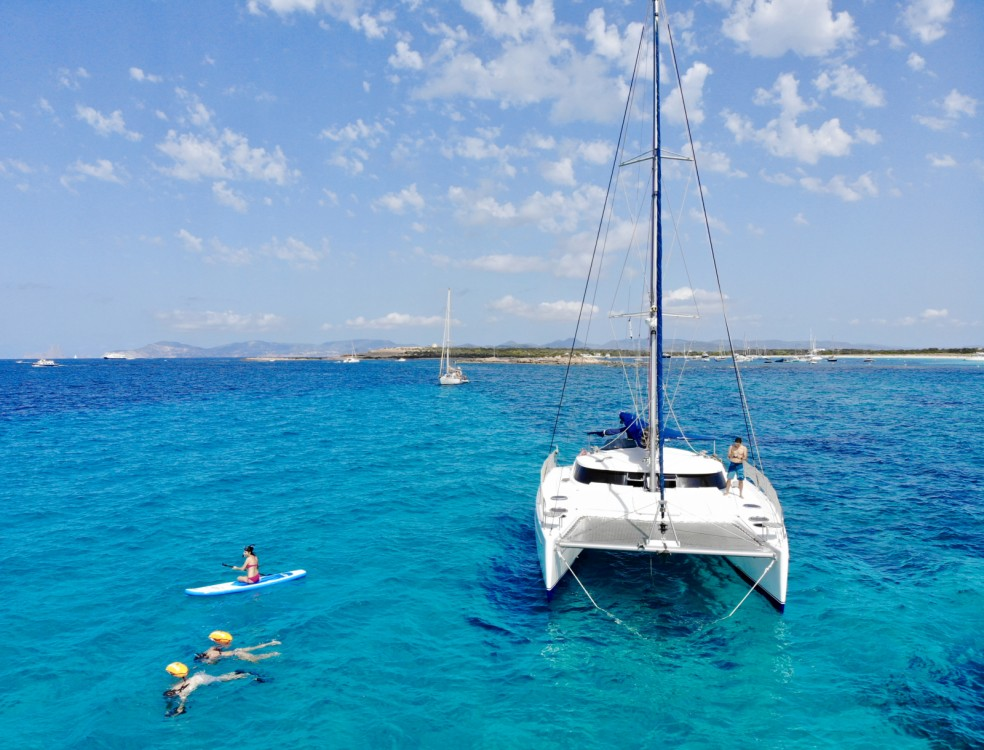 Hire Catamaran with or without skipper Fountaine Pajot Eivissa