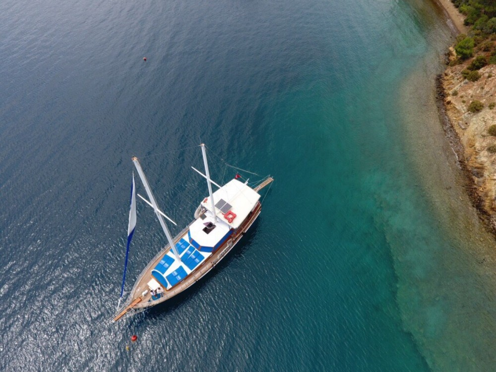 Boat rental Wooden Goulet 57feet in  on Samboat