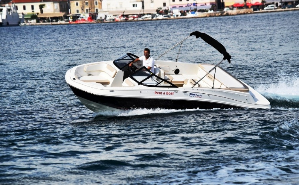 Hire Motorboat with or without skipper Bayliner Grad Biograd na Moru