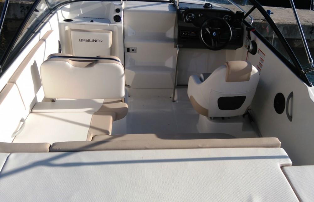 Boat rental Bayliner VR5 Cuddy in Grad Biograd na Moru on Samboat