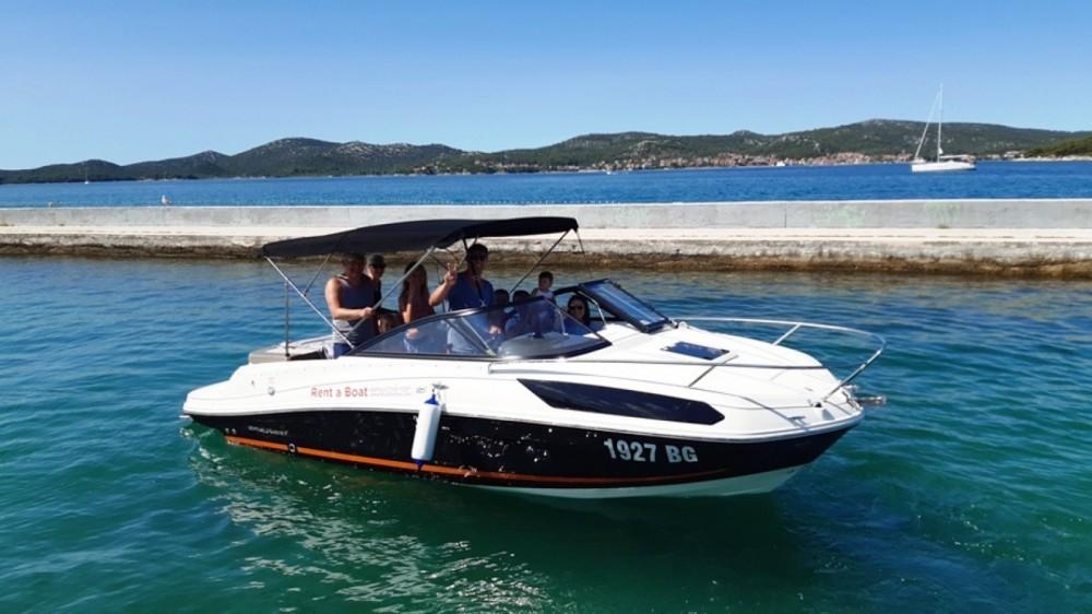 Boat rental Bayliner VR5 Cuddy in Biograd na Moru on Samboat