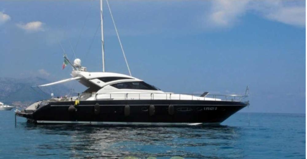 Boat rental Cayman 58 HT in Sorrento on Samboat