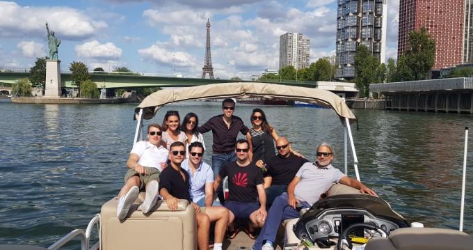 Boat rental Paris cheap Party Barge 24