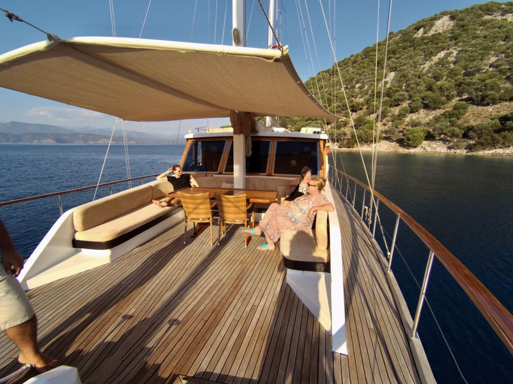 Rental Yacht Gulet with a permit