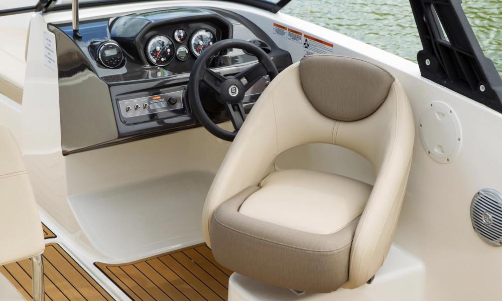 Rental Motor boat in Manerba del Garda - Bayliner VR5