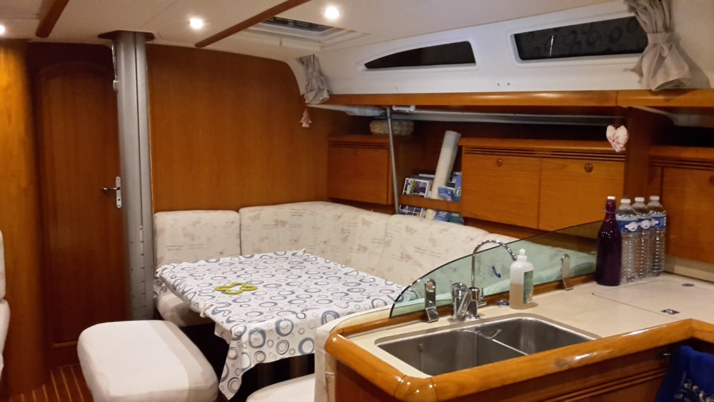 Jeanneau Sun Fast 43 between personal and professional Bandol