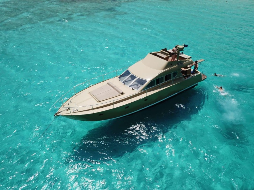 Yacht for rent Chania at the best price