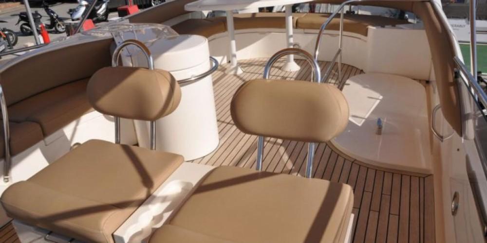 Boat rental Fairline Phantom 50 in  on Samboat