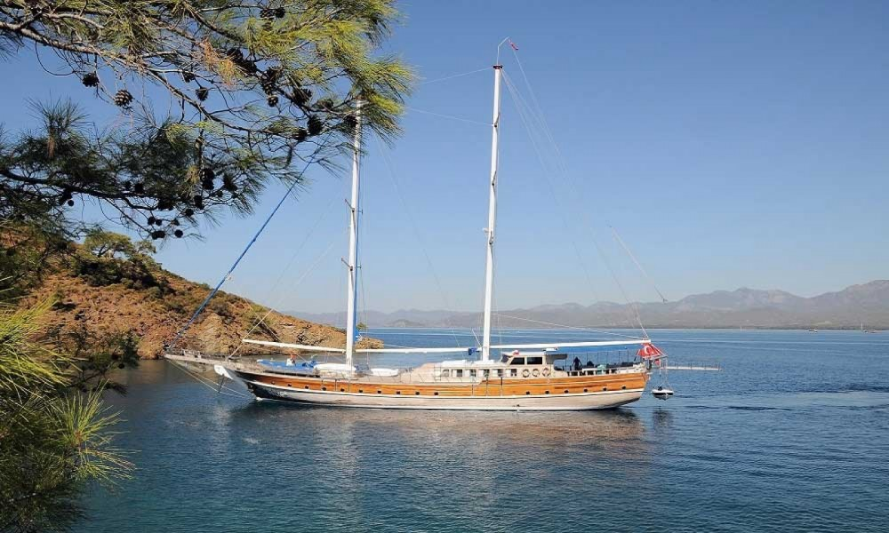 Gulet Ketch Deluxe between personal and professional Aegean Region