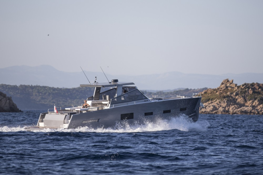 MED YACHT  MED 52  between personal and professional Saint-Tropez