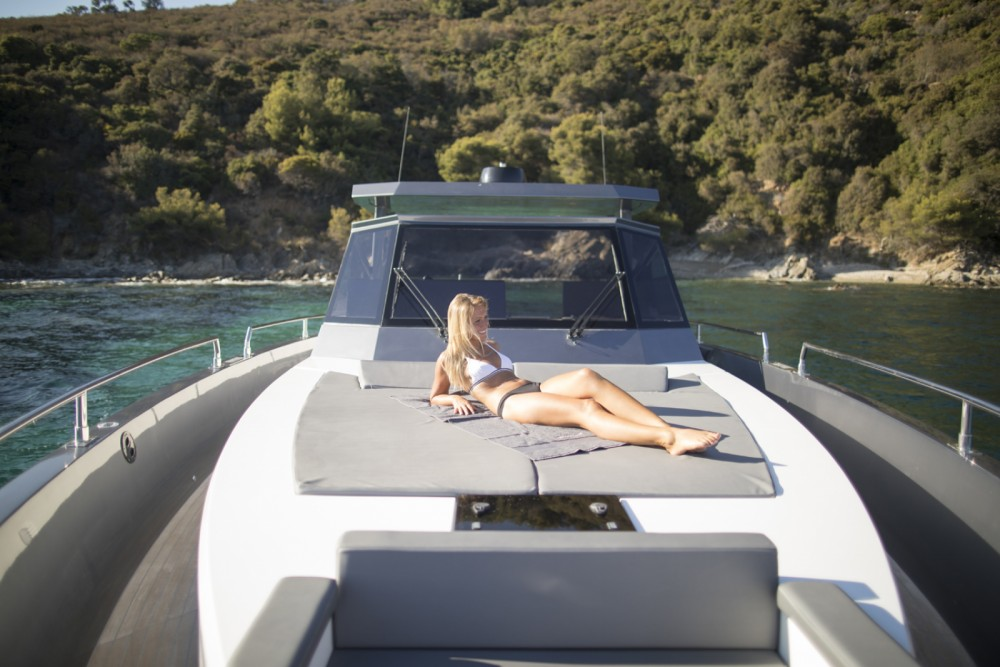 Hire Motorboat with or without skipper MED YACHT  Saint-Tropez