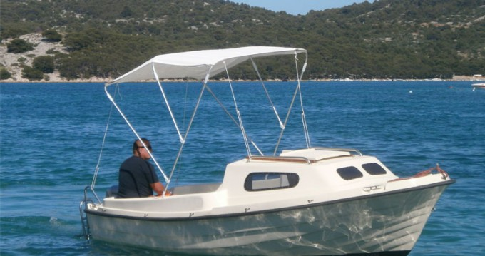 Motorboat for rent Vodice at the best price