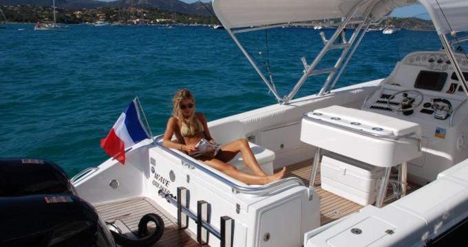 Rent a AL DHAEN 360 CUDDY Saint-Tropez