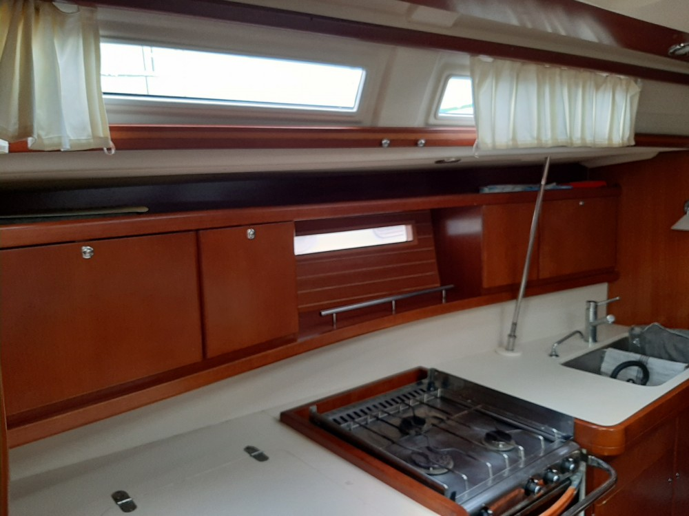 Sailboat for rent Toulon at the best price