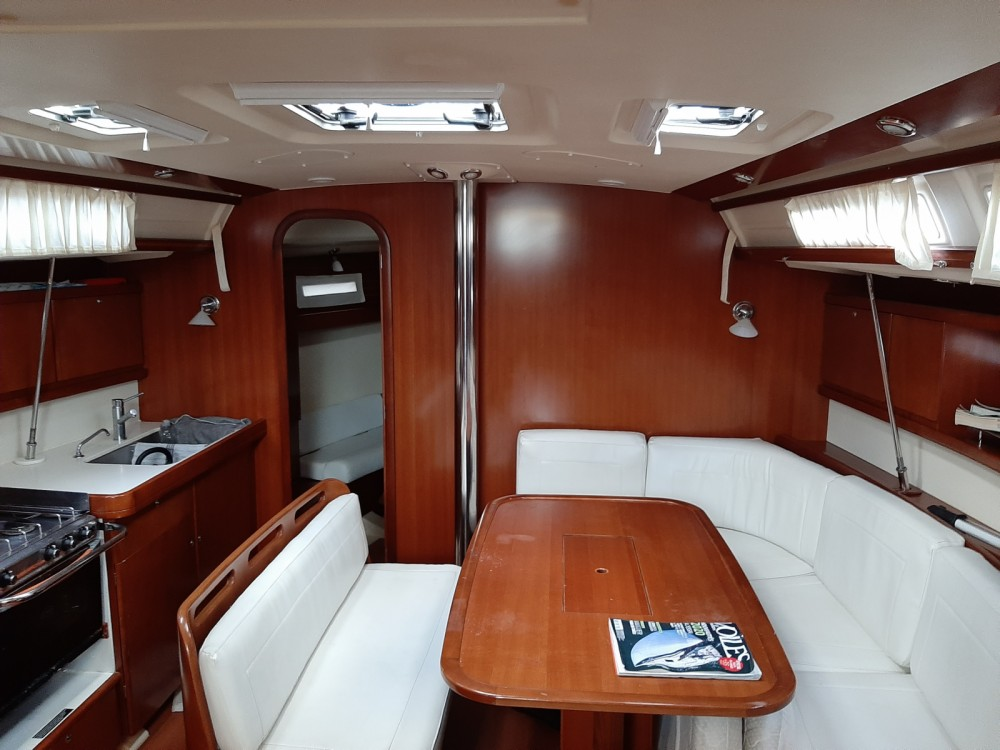 Boat rental Dufour Dufour 425 in Toulon on Samboat