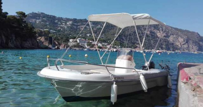 Rental Motorboat Astec with a permit