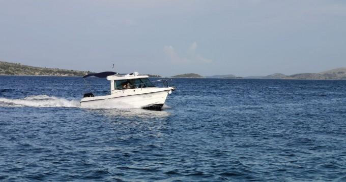 Boat rental Zadar cheap Sas Vektor 700