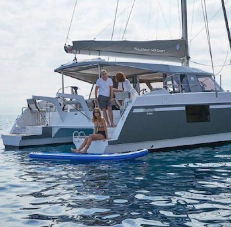 Hire Catamaran with or without skipper Nautitech Le Grau-du-Roi