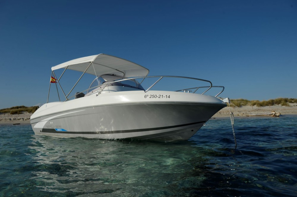 Bénéteau Flyer 650 SD between personal and professional Ibiza