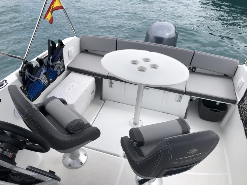 Rental Motor boat in Ibiza - Jeanneau Cap Camarat 5.5 WA Serie 2