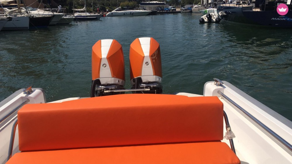 Hire Motor boat with or without skipper Expression Grimaud