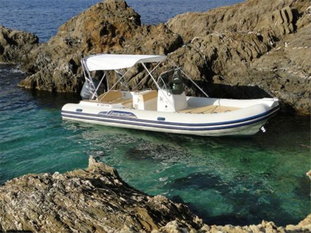Boat rental Capelli Tempest 690 Luxe in Porto-Vecchio on Samboat
