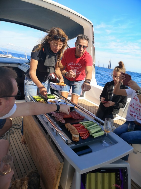 Boat rental Bénéteau Oceanis 48 in Cannes on Samboat