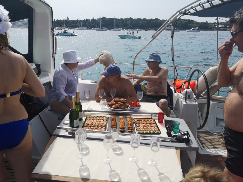Rental Sailboat in Cannes - Bénéteau Oceanis 48